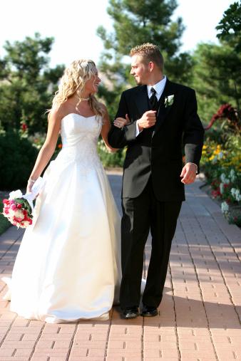 Ах, эта свадьба... Гости, тамада... Как его выбрать?